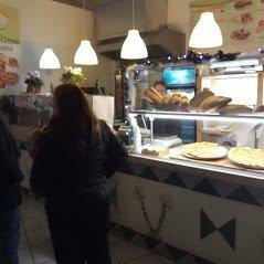 Fast food pizzeria-kebab a Mattinata, Foggia