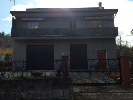 Casa singola in posizione tranquilla a Fara San Martino, Chieti