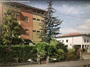 Vendo casa indipendente su 3 piani, superficie 6000 mq, Ravarino
