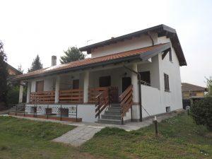 Villa bifamiliare disposta su due livelli a San Giorgio Su Legnano