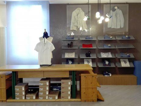 Vendesi attività di abbigliamento, calzature, accessori a Cesano Maderno