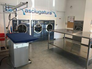 lavanderia con attrezzature Miele Professional, Viadana, Mantova