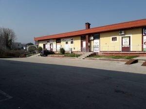 Immobile commerciale di 450 mq in Atripalda, Avellino