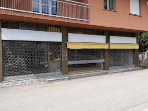 Vendo negozio su 2 livelli, immobile commerciale, Tradate, Varese