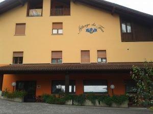 Vendesi albergo ristorante bar pizzeria con 3 appartamenti, Borgo Chiese, Trento