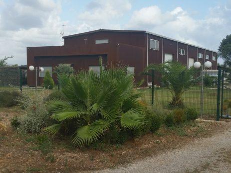 Laboratorio Produttivo con abitazioni e terreno, Terracina, Latina