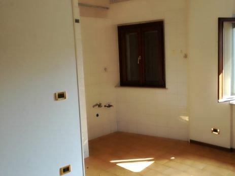 Appartamento luminoso in vendita a Aviano, Pordenone