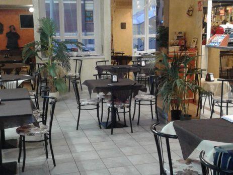 Bar trattoria pizzeria in vendita a Chivasso, Torino