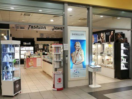 Cedesi attività di gioielleria in Centro Commerciale Tradate, Varese