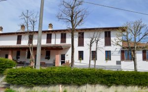 Cedesi gestione Bed-and-Breakfast con ristorante in Oltrepò Pavese