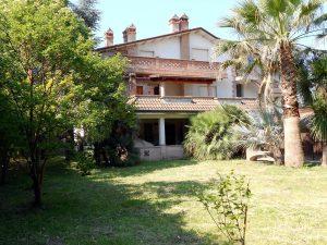 Vendesi Villa 245 mq a Sarzana, La Spezia