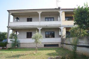 Tragliatella-Lotti, Porzione di palazzina bifamiliare in vendita a Roma