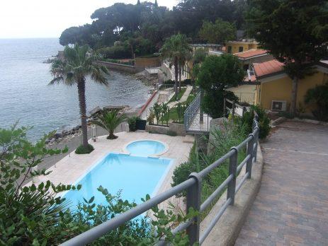 Splendido bilocale in residence sul mare, Bordighera, Imperia
