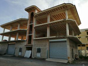 Vendesi intero immobile commerciale residenziale, Frattaminore, Napoli