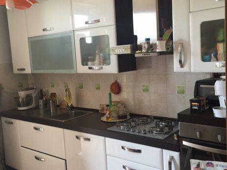 Vendesi appartamento al secondo piano, Carpiano, Milano