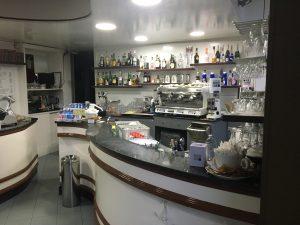 Bar tavola calda con spazio esterno, Moncalieri, Torino