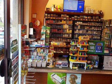 Tabaccheria Vendesi, in Piazza San Jacopino in Firenze