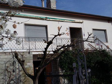 Villa con giardino, vicino aeroporto di Ancona, Monte San Vito