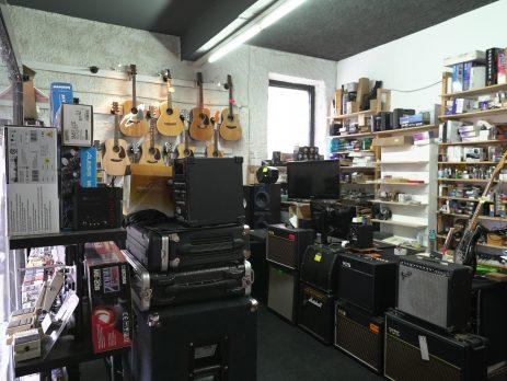 Negozio di strumenti musicali e studio di registrazione, Palestrina, Roma