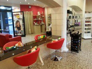 Vendesi attività commerciale, parrucchiere e accessori moda, Bari
