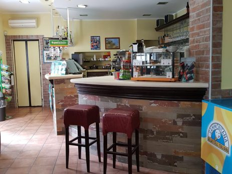 Vendesi bar a Bascapè, Pavia
