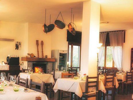 Vendesi ristorante posizione panoramica in Monferrato, Camino, Alessandria