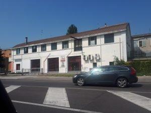 Vendo capannoni commerciali in via Padova a Ferrara