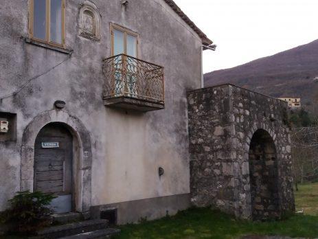 Casa in pietra del 1800 buon stato, Cusano Mutri, Benevento