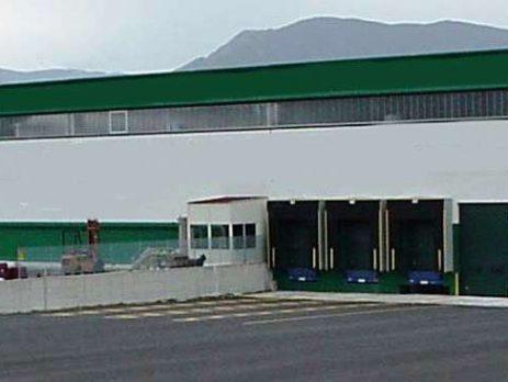 Vendesi capannone con uffici e attrezzatura a Atena Lucana, Salerno
