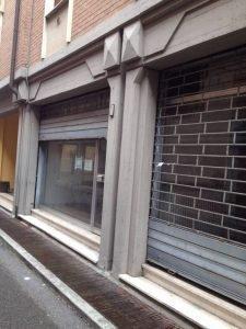 Grande immobile commerciale ideale per minimarket, ufficio, magazzino, altro, Guastalla, Reggio Emilia