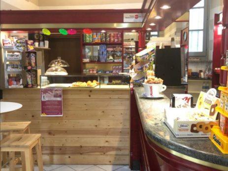Vendesi Bar con cucina attrezzata, Pavia