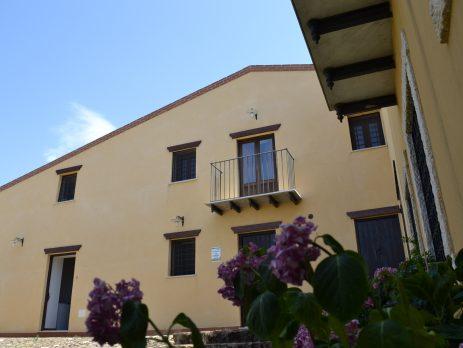 Agriturismo con annessa azienda agricola a ficuzza, Monreale, Palermo