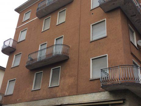 Casa terra tetto, 8 appartamenti e 8 garage e negozio, Fornovo di Taro, Parma