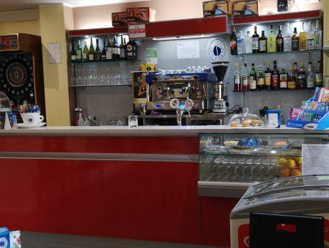 Vendesi attività commerciale, bar, Trento