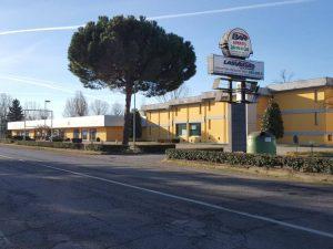 Esposizione commerciale con magazzino, affittasi, Mezzanino, Pavia
