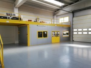 Interessante capannone artigianale, Udine