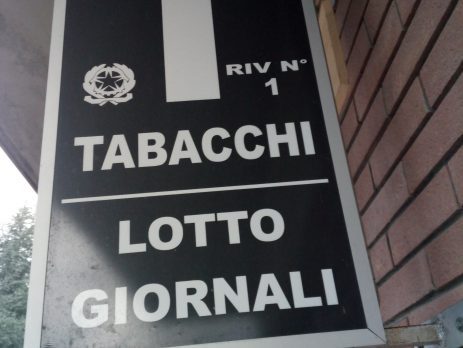 Tabaccheria, edicola in vendita a Palanzano, Parma