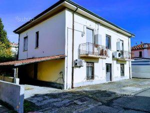 Vendesi palazzina indipendente, Santo Stefano di Magra, La Spezia