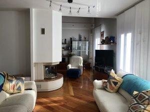 Vendo casa singola, due grandi appartamenti, uffici e giardino, Sacile, Pordenone