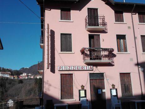 Vendesi Bar Pizzeria a Tonezza del Cimone, Vicenza