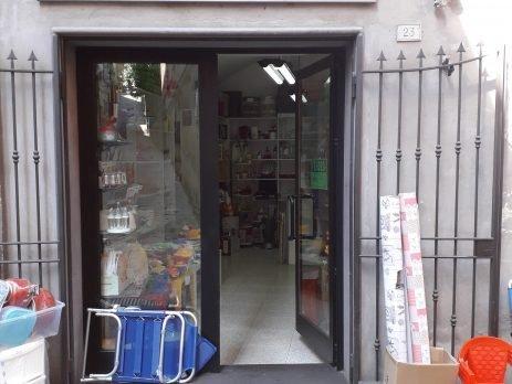 Vendesi attività commerciale, articoli da regalo, casalinghi e giocattoli, Acquapendente, Viterbo