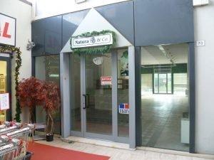 Vendesi locale commerciale di 210 mq, Pesaro, Pesaro e Urbino
