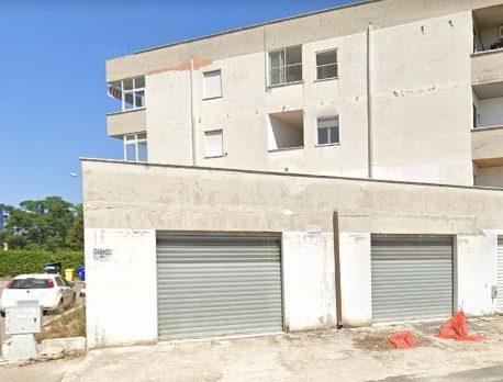 Locali Commerciali cat C-1, Latina