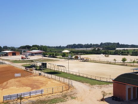 Vendesi centro equitazione località turistica, Terracina, Latina