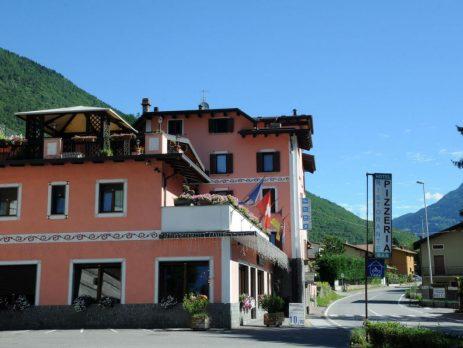 Vendo hotel, pizzeria, ristorante, e appartamento, Malonno, Brescia