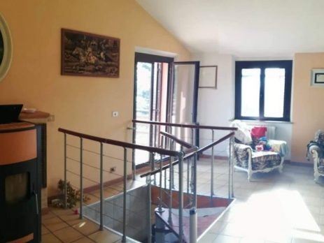 Casa indipendente a Cupramontana, Ancona