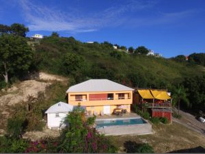 Vendesi ristorante, casa con piscina ad Antigua, Caraibi, Dickenson Bay