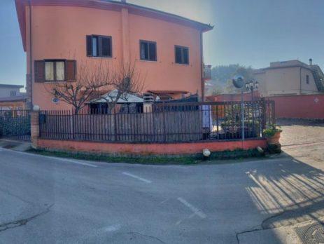 Vendesi Bed and Breakfast IL RIFUGIO DI DANTE, Sinalunga, Siena