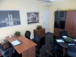 Cedesi attività di Business Center, uffici, Milano