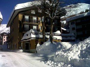 Hotel, Ristorante in vendita a Madesimo, Sondrio
